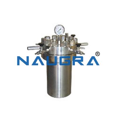 High pressure leaching vessel
